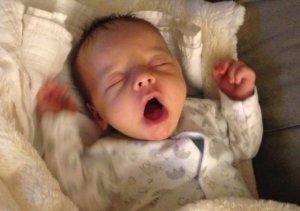 5 Hónapos baba nem alszik